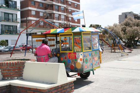 Snackverkäufer an der Promenade